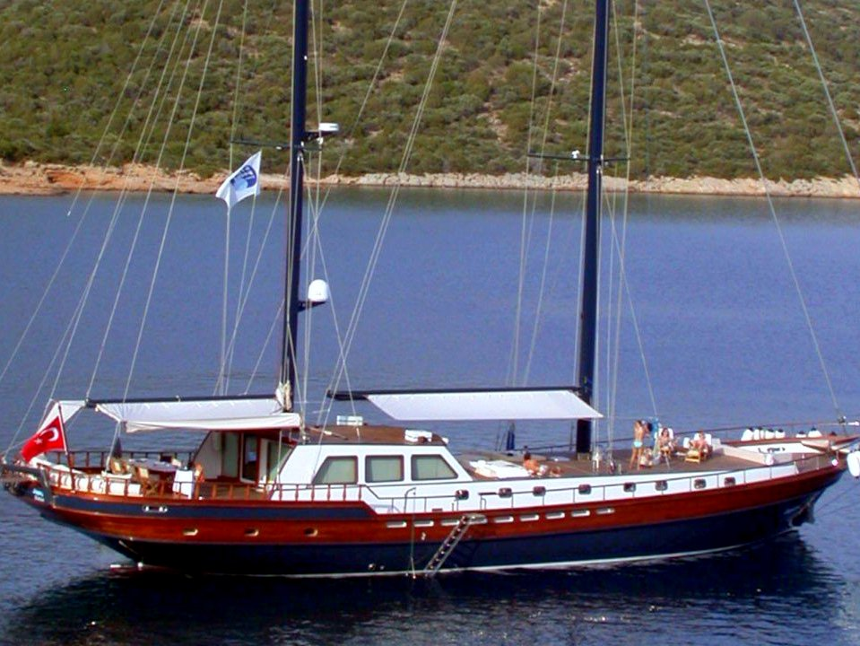 Yacht Papa Joe