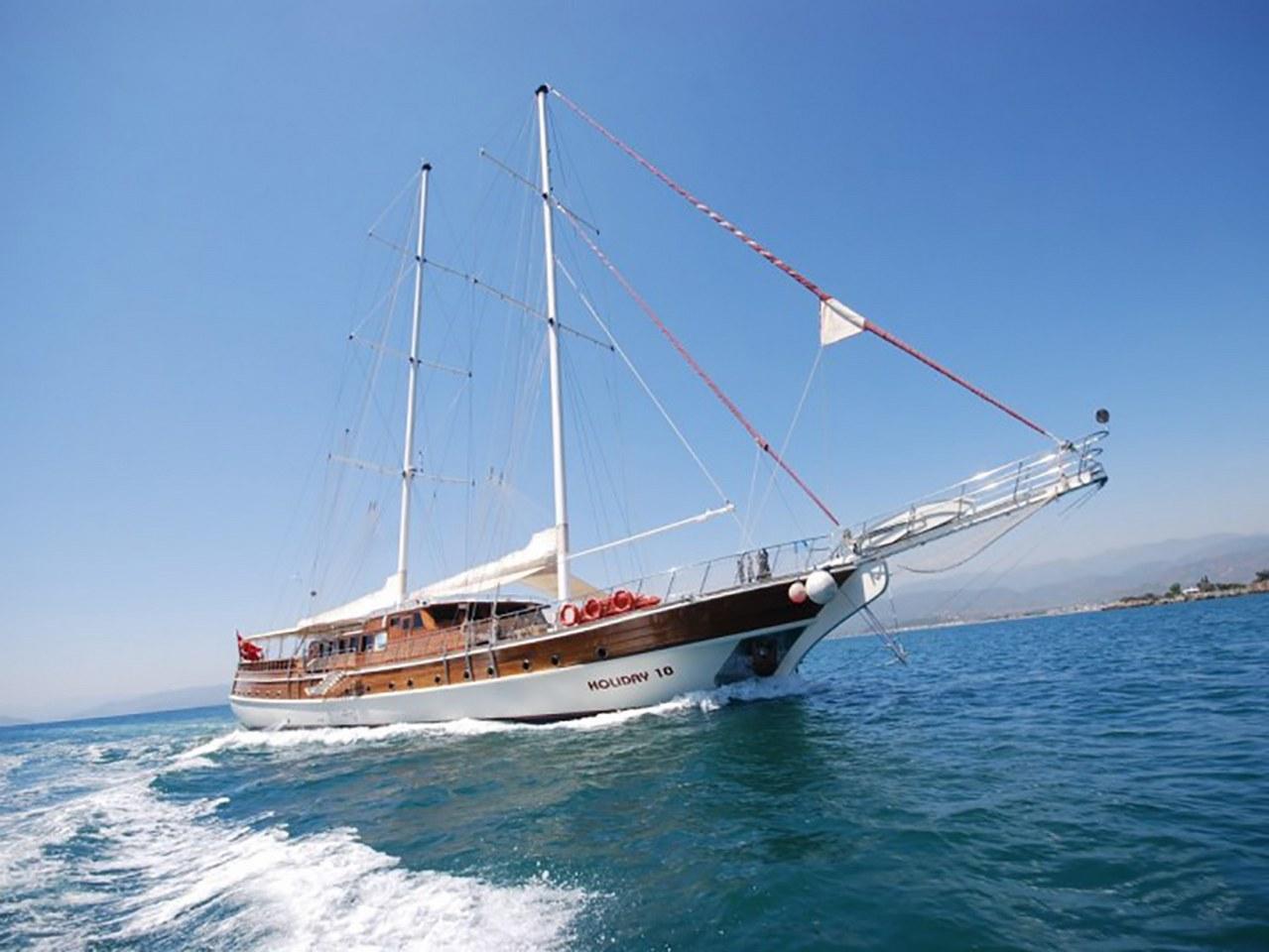 Yacht Holiday 10