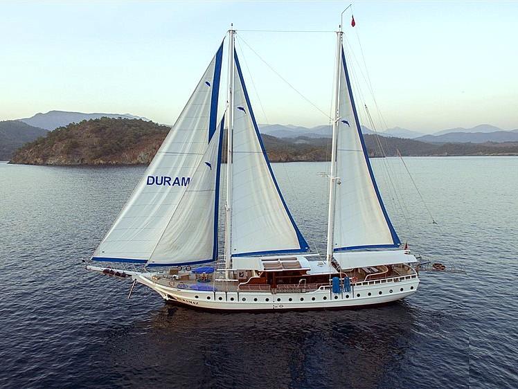 Yacht Duramaz