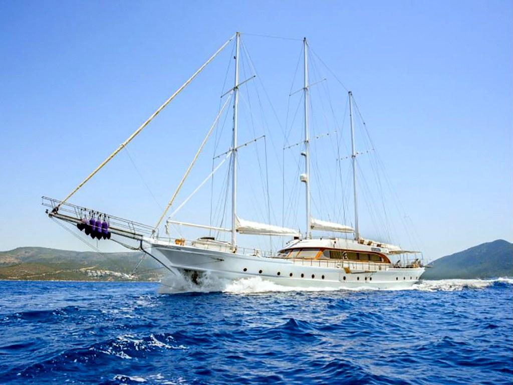Yacht Bella Mare