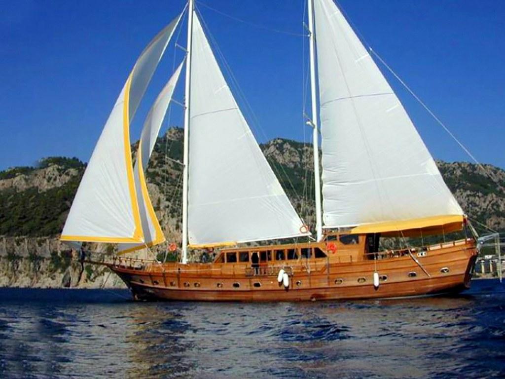 Yacht Felton 1