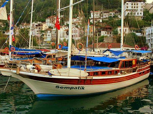 Yacht Sempatik