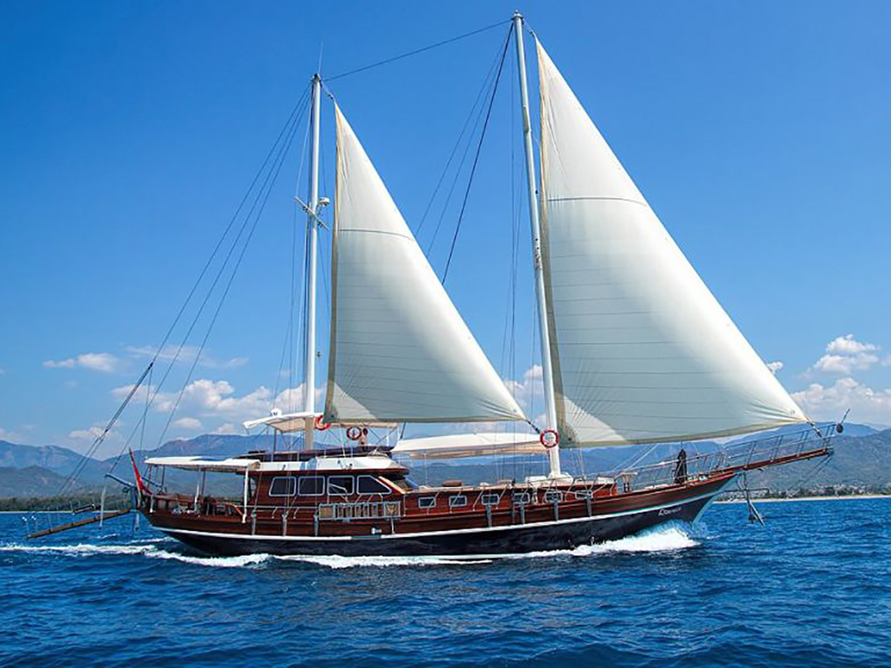 Yacht Romance