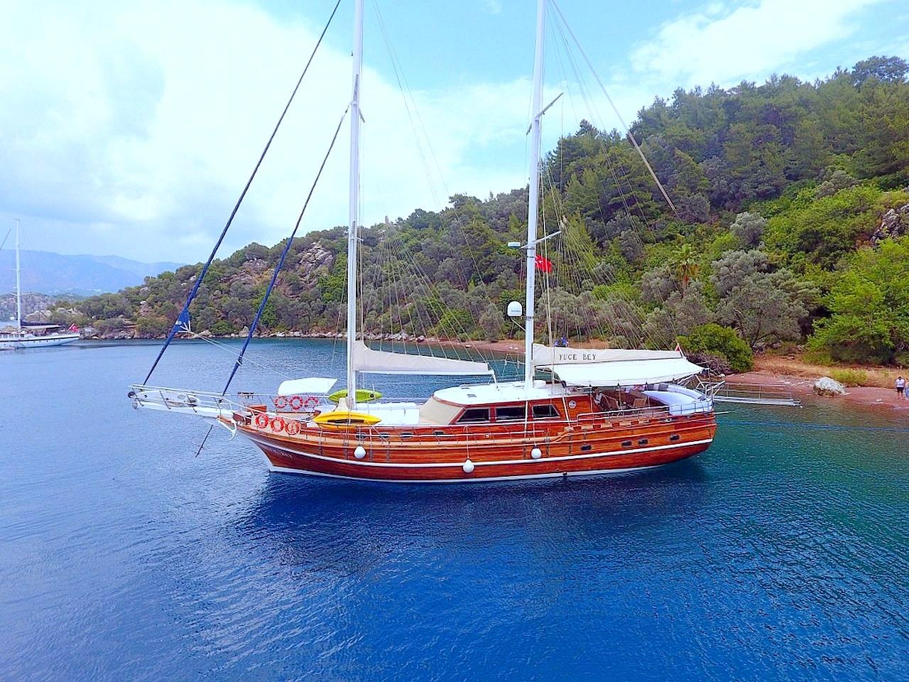 Yacht Yuce Bey