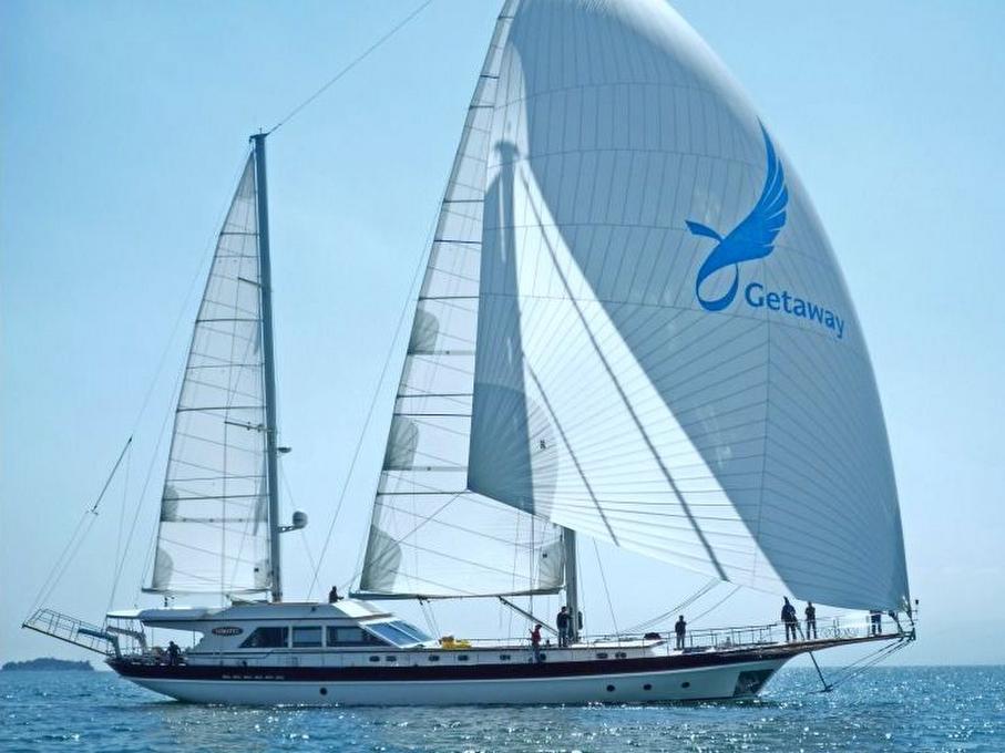 Yacht Getaway