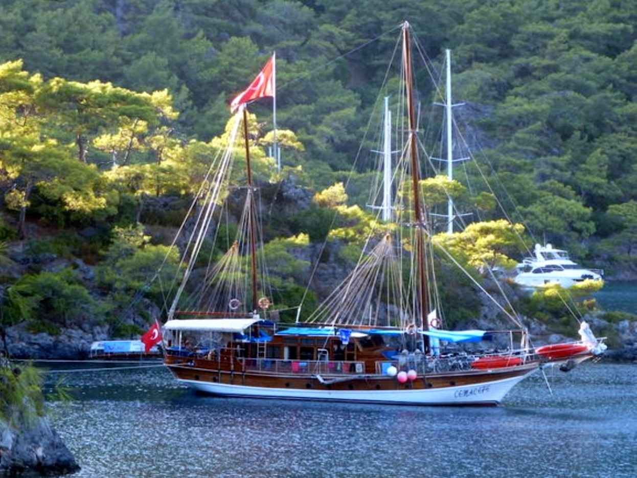 Yacht Cemal Efe