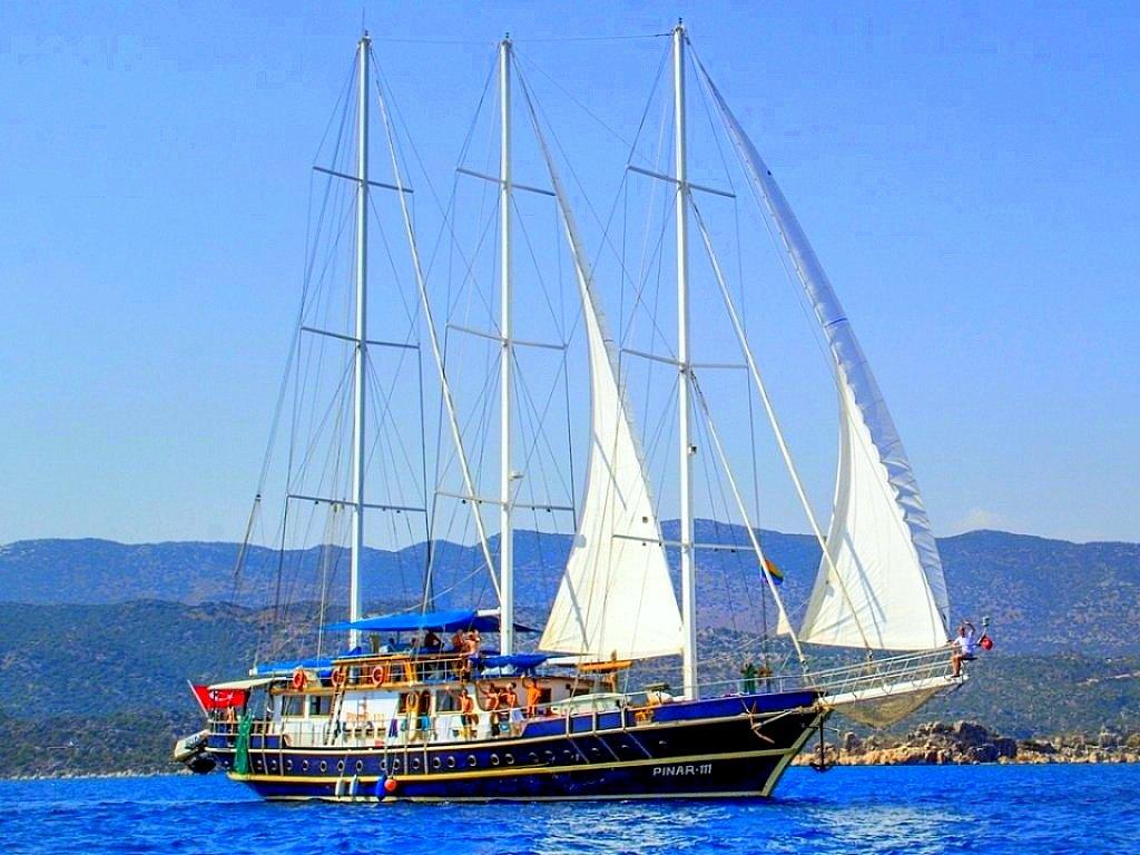 Yacht Pinar 111
